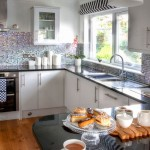 Shellseekers Luxury Holiday House kitchen area
