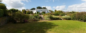 Moonraker Luxury Holiday House garden view